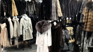 купить меховой пальто и шубу на выставке кожи и  меха