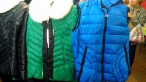 куртки-ветровки на ярмарке