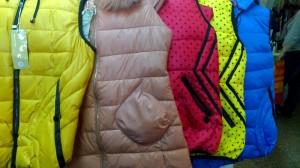 стильные осенние куртки и пуховики