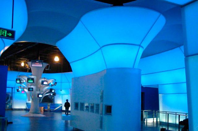 Выставочные стенды из полупрозрачной пленки