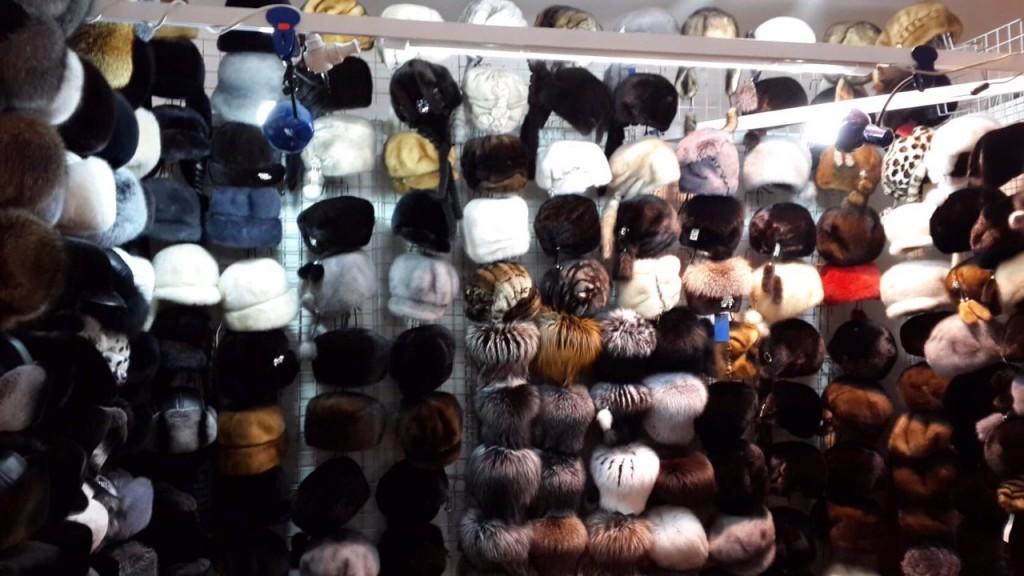 меховые шапки на выставке-ярмарке в Киеве