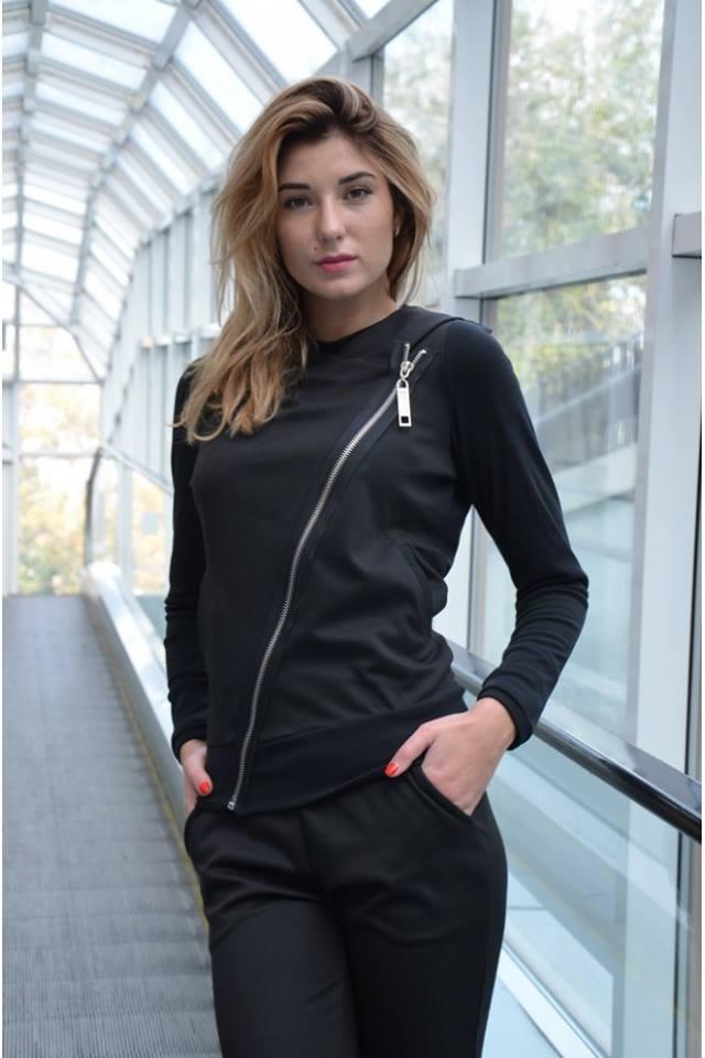 Модные женские осенние куртки с диагональной молнией