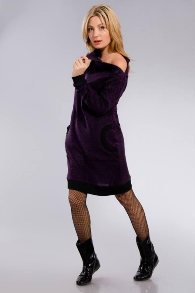 Бордовое трикотажное платье