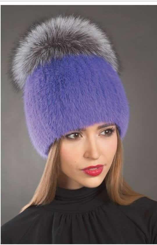 Трикотажные женские шапки с меховым помпоном