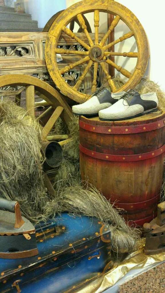 Модные мужские туфли из конопли