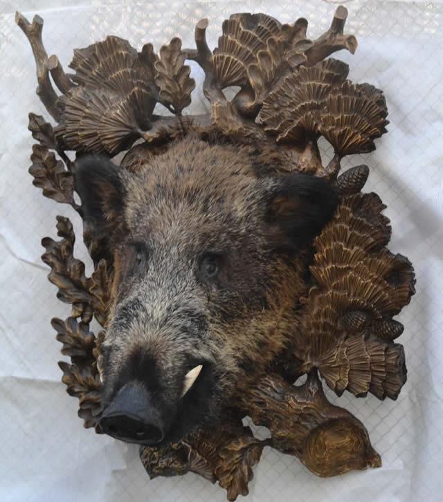 Деревянный декор кабан