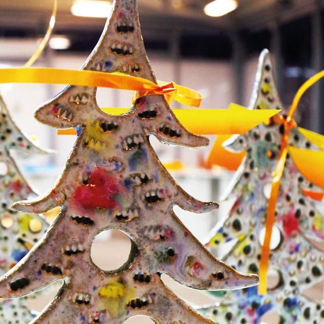 Елки на выставке керамики