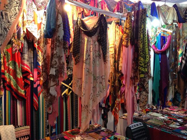 платки на выставке-ярмарке