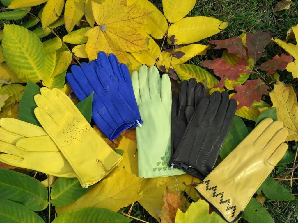 Кожаные мужские и женские перчатки желтого, синего, мятного, черного и бежевого цвета
