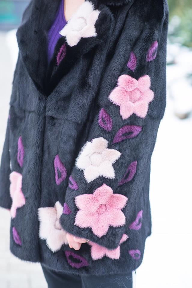Черная норковая шуба с цветочными принтами