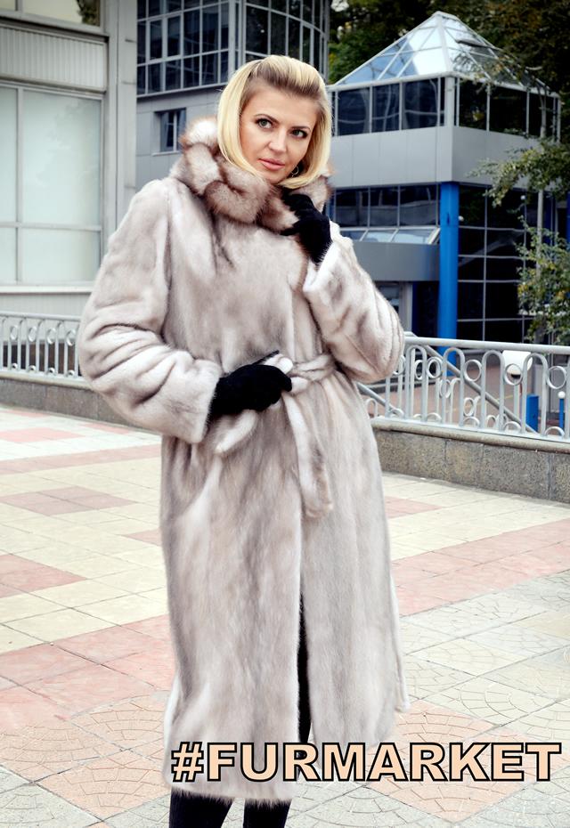 Серое пальто из норки
