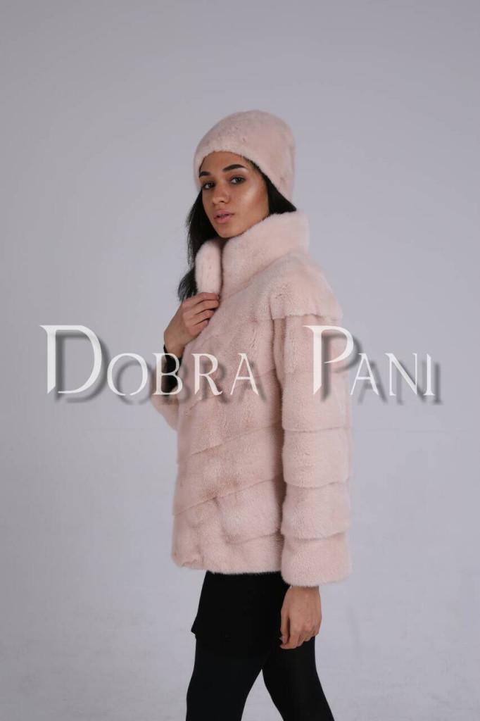 Норковая шуба светло-розового цвета