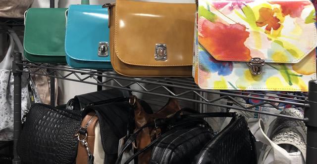 кожаные сумки во Дворце спорта