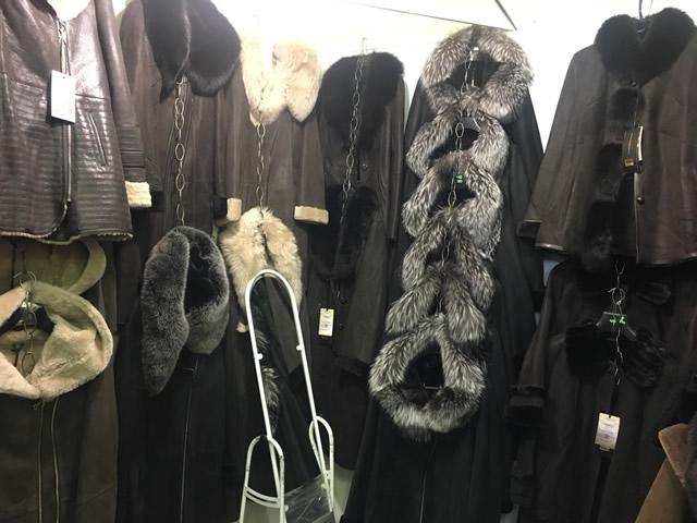 мужские дубленки и куртки на выставке-ярмарке