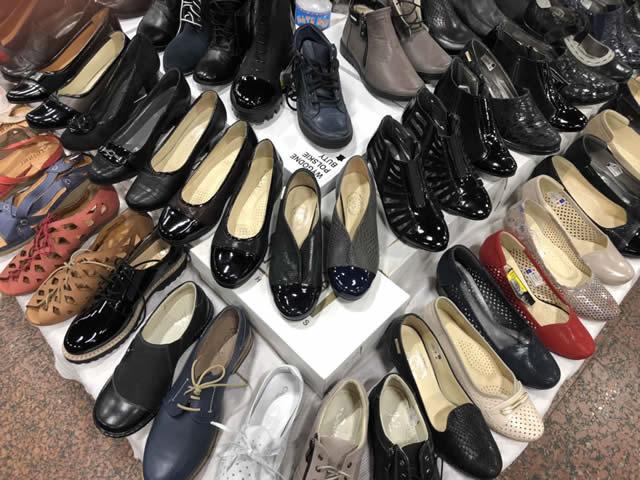 женские летние туфли на ярмарке в Киеве
