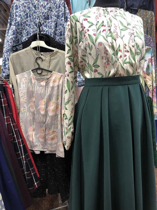юбки и блузки на ярмарке
