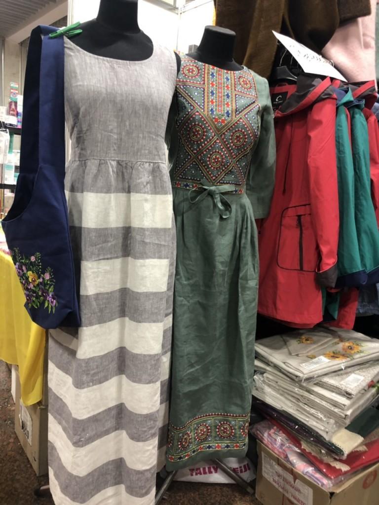 серые и зеленые женские летние платья