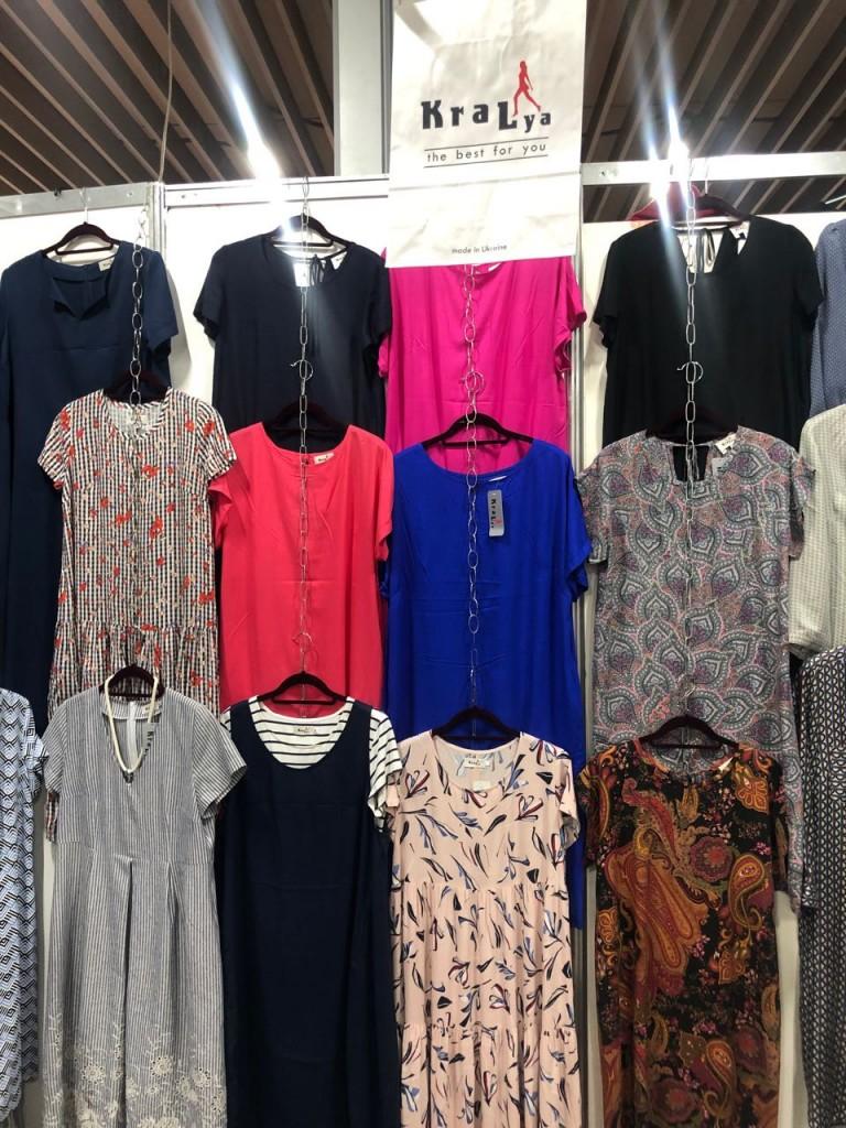 Летние блузы и платья