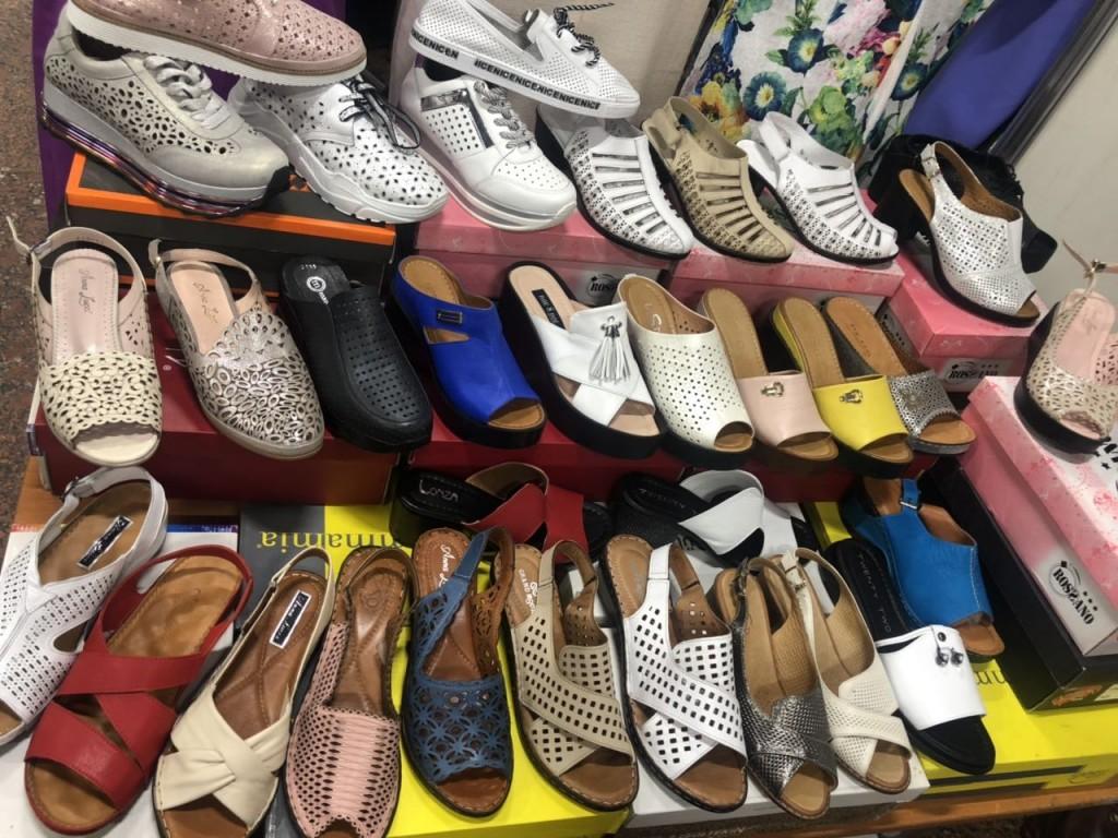 Летние мужские и женские сандалии