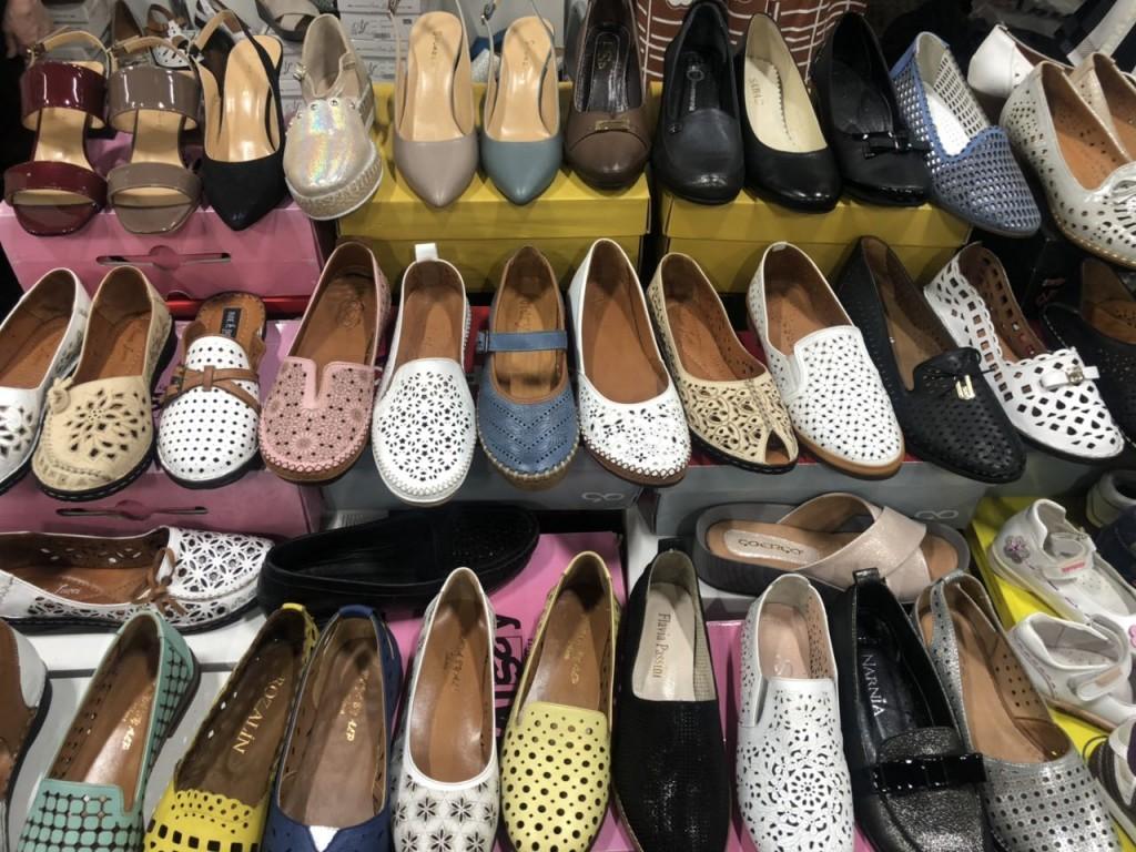 летняя обувь на выставке-ярмарке
