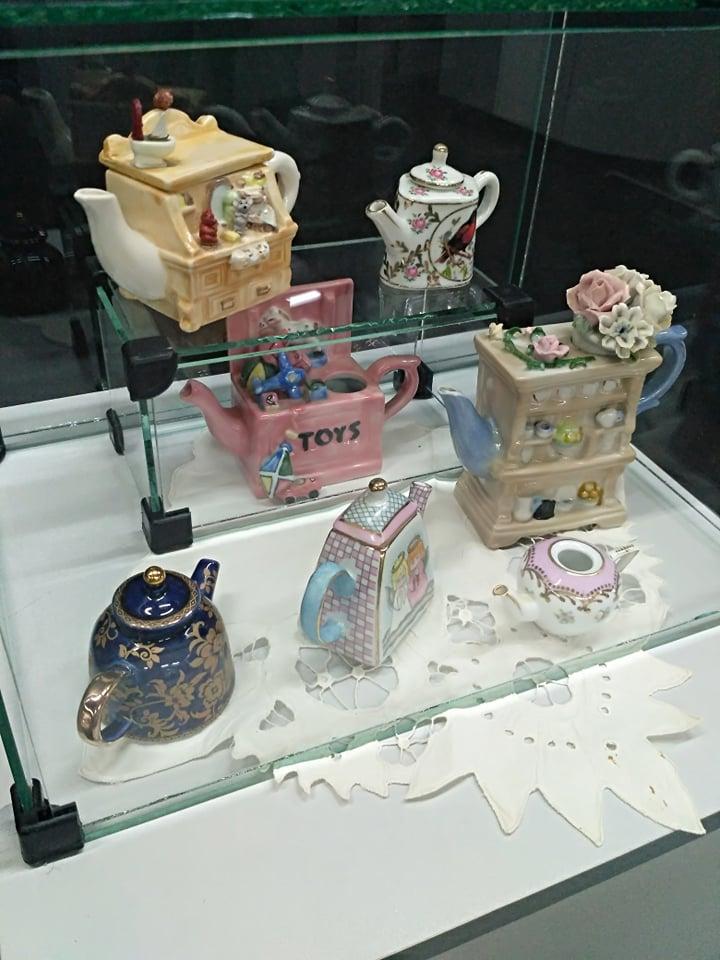 Выставка безумное чаепитие