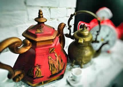 До 20 октября в Музее истории туалета проходит выставка «Безумное чаепитие»