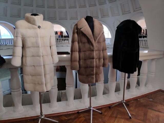Модная женская норковая шуба бежевого цвета, коричневое норковое пальто и полушубок черного цвета