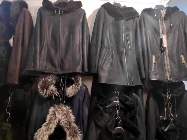 Кожаные сезонные куртки и дубленки