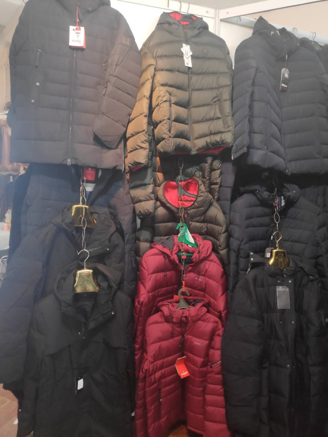 Мужские куртки на выставке