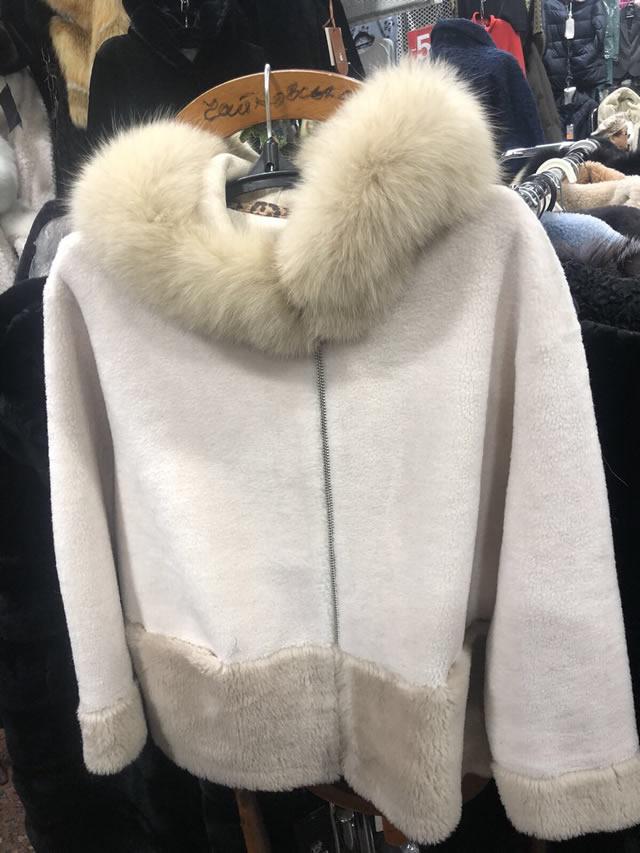 Меховая куртка мутон