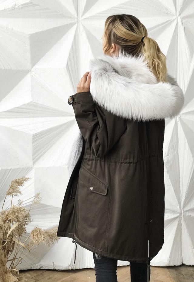 Купить женскую зимнюю парку в Киеве с белым воротником из лисы