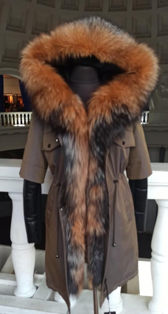 купить парку женскую в Киеве на выставке ярмарке меха воротник из лисы